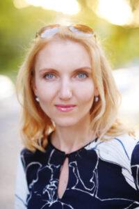 ロシア語・ウクライナ語講師 筆者 荻野アントニーナ